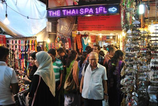 Qué hacer en Colaba Bazar