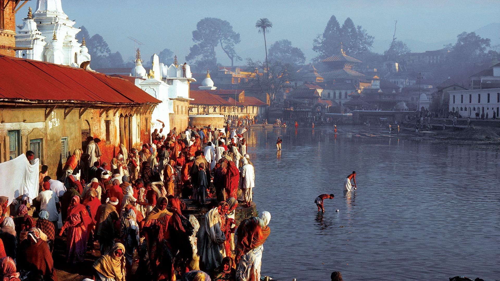 Oración del río Bagmati