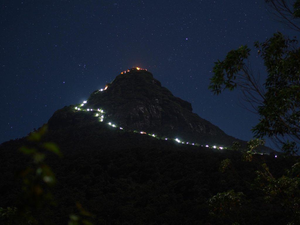 Peregrinación a Adam's Peak de noche