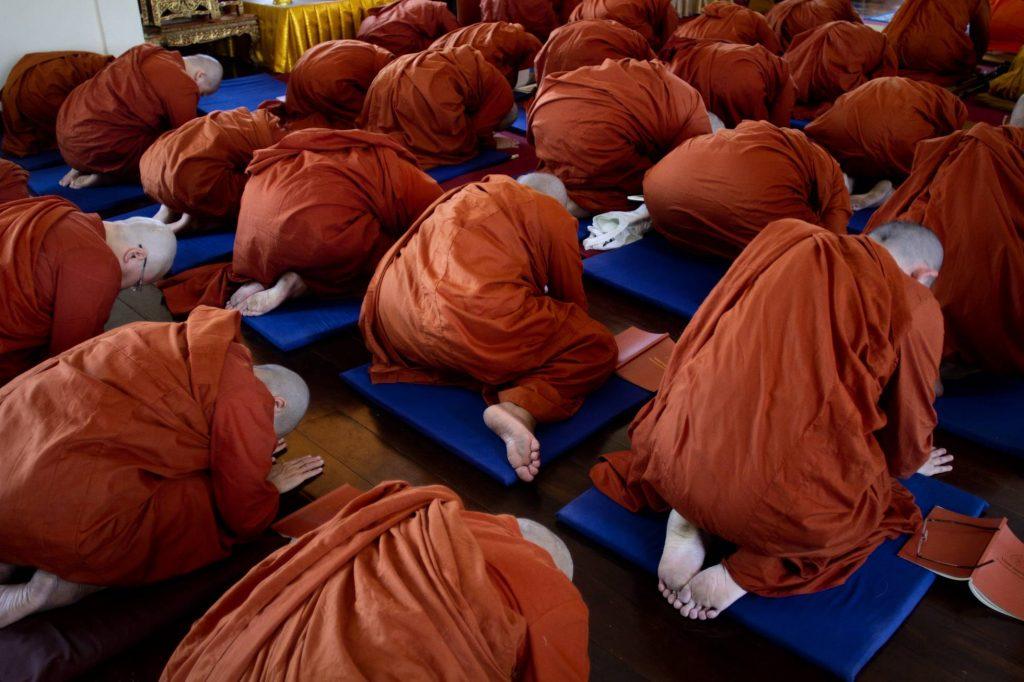 Ser monja budista en Asia
